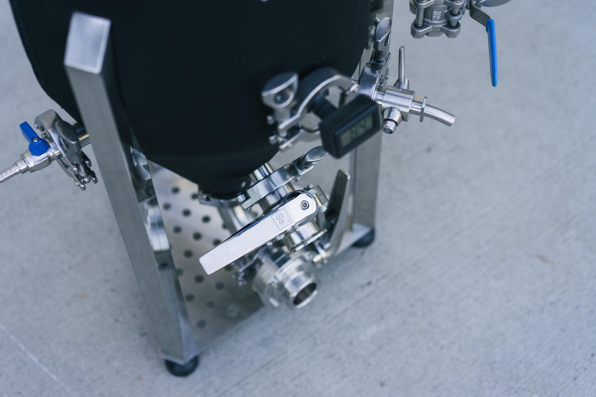 Fermentatore conico isobarico Ss Brewtech Unitank 7 GAL